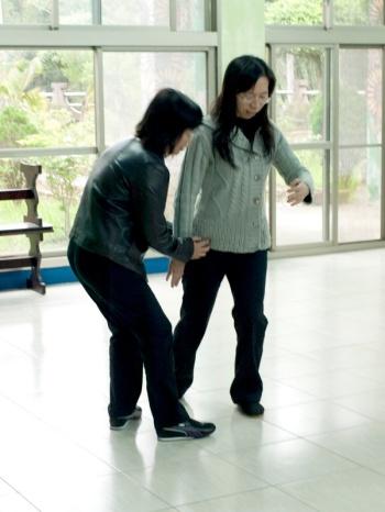 羅偉芳練習拳